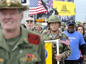 635513101740670009-Veteran-Day-Parade-10
