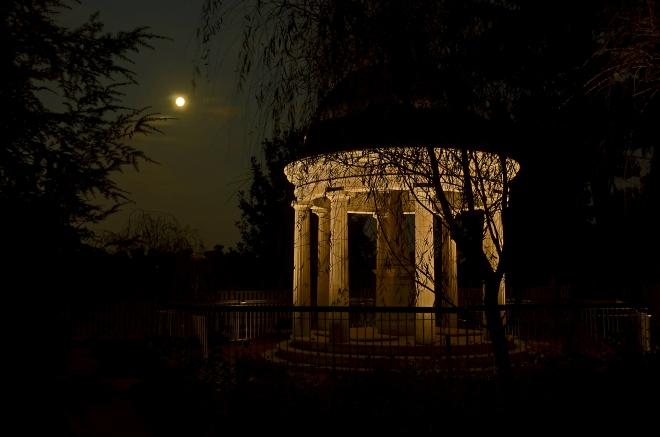 Hermitage_Tomb_091813_1.jpg